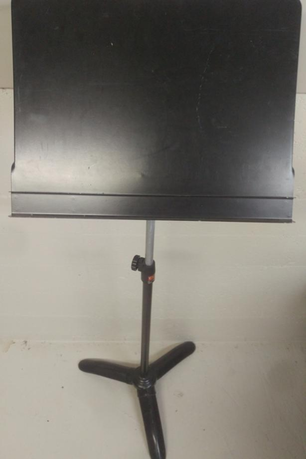Music stand - heavy duty