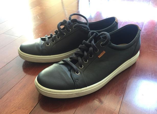 Ecco Women's Black Sneaker  9.5