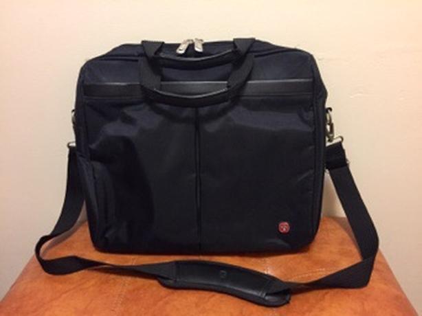 """Black Swiss Wenger SWA051 15"""" Laptop Bag"""
