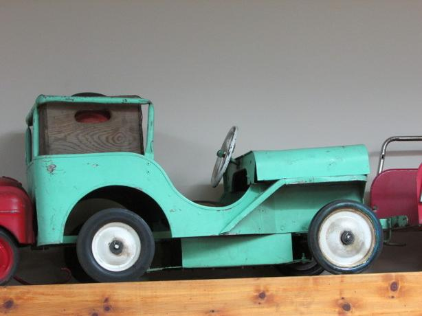 1947 Willys Jeep by Western Toy Manufacturing (Seattle)