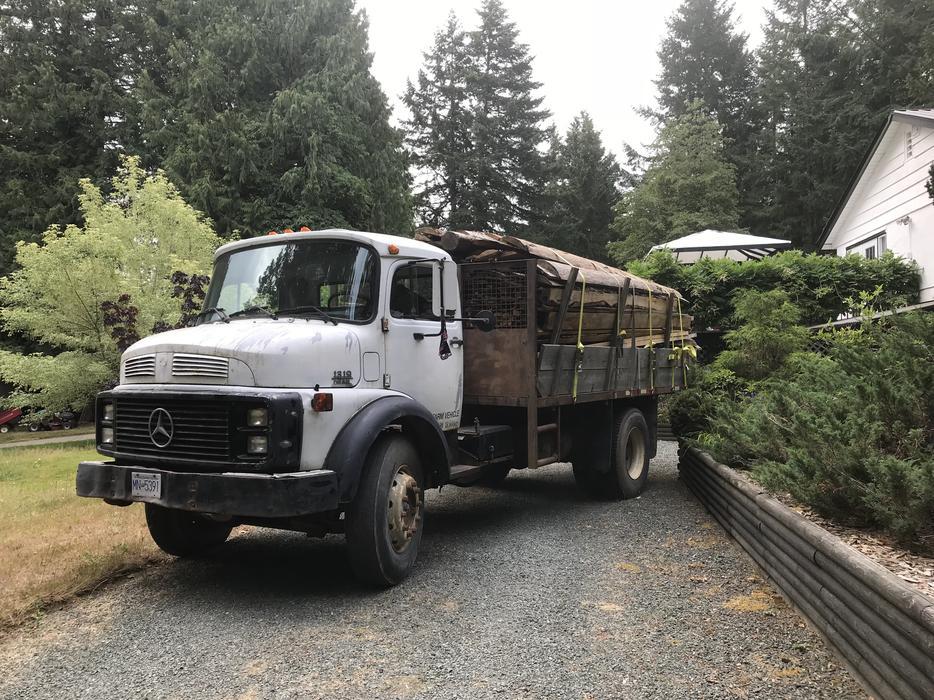 Maple Ridge Dump >> 1989 Mercedes-Benz 1319 tilt deck, hay truck, dump truck low kms Malahat (including Shawnigan ...