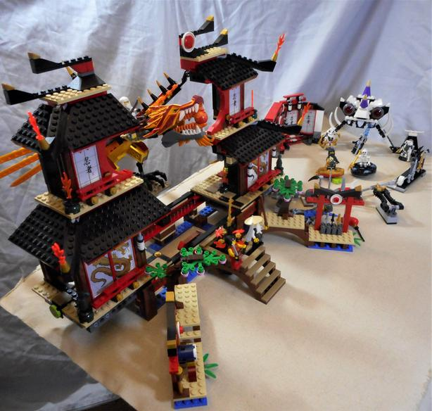 Bulk Lot Of Legos The Ninjago Battle Arena And Fire Temple