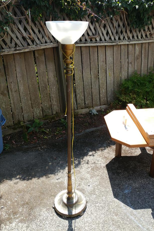 Standing lamp - brass base