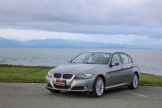 2011 BMW 328i xDrive - ON SALE! - ONLY 48,*** KM! - NAVIGATION!
