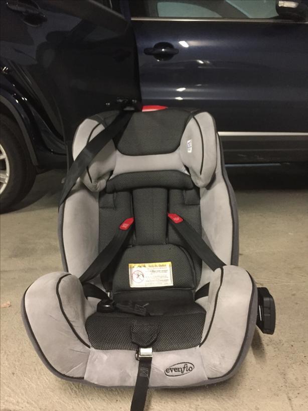 Evenflo Car Seat Saanich Victoria