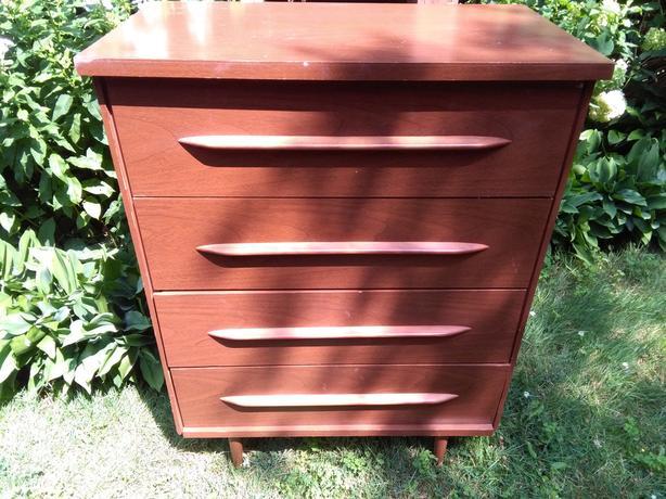 Vintage Mid-Century Modern 4 Drawer Dresser