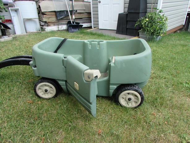 step two childrens wagon