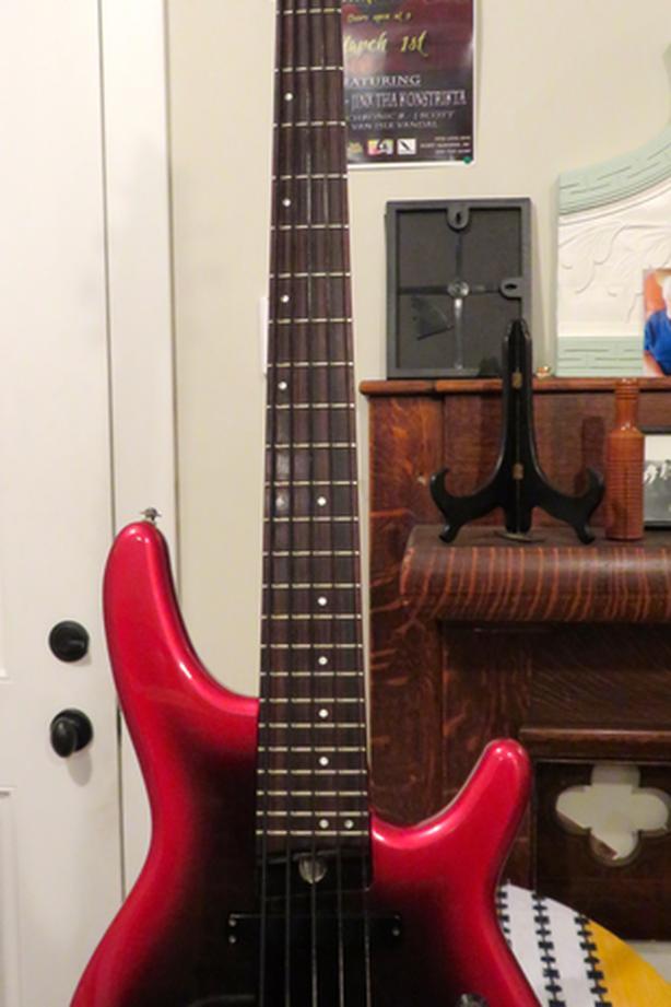 Fender Heartfield 5 String Bass