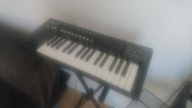 Roland A-300 pro MIDI keyboard - with stand