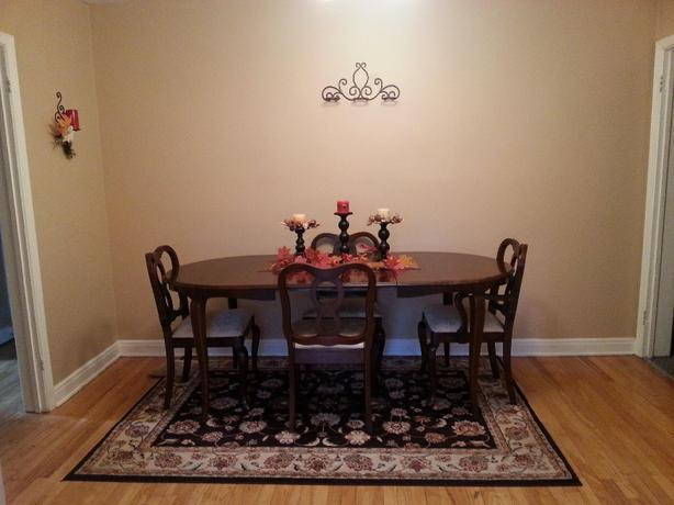 Solid Wood Colonial China Table Chairs Hutch