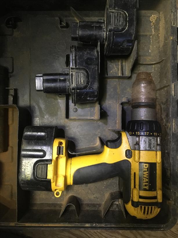 Dewalt drill 14.4 V