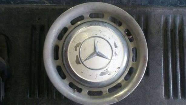 Mercedes-Benz Hub Cap And Ring