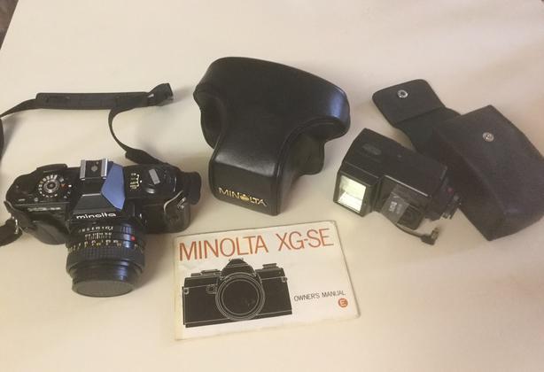Film Minolta Camera with case and flash