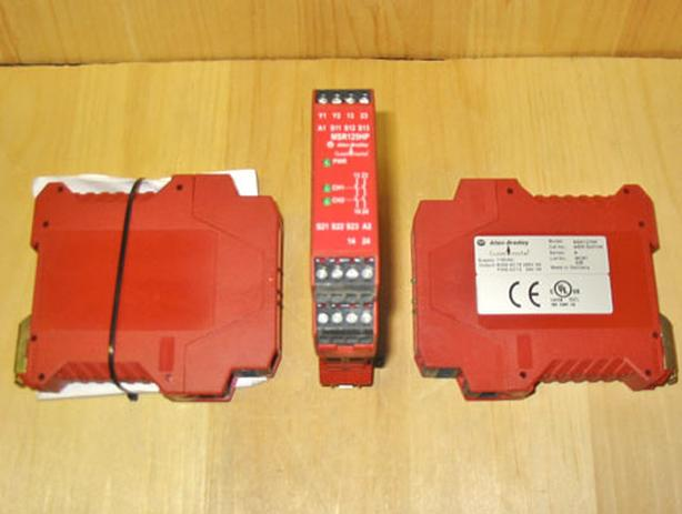 ALLEN-BRADLEY MSR127RP Safety Relay (C/N: 440R-N23134) ~ MINT!