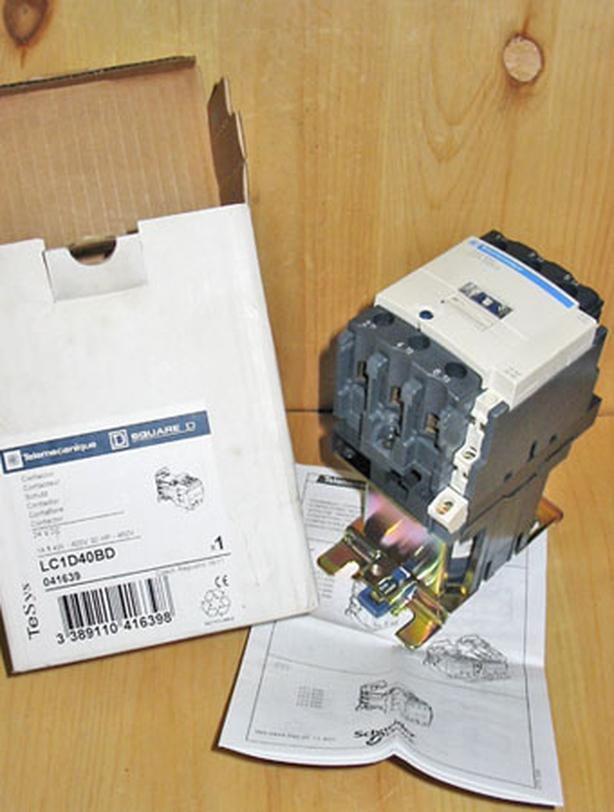 SQUARE D 40 Amp, 3 Pole, 600 Volt Contactor (SQD LC1D40BD / 24 VDC) ~ New!
