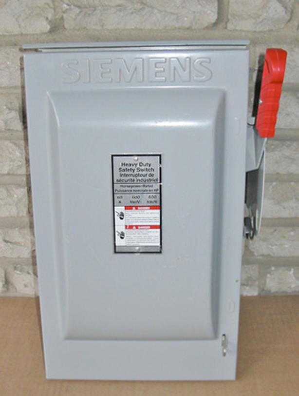 SIEMENS 60 Amp, 3 Phase, 600 Volt 3R Fused Disconnect Switch ~ New!