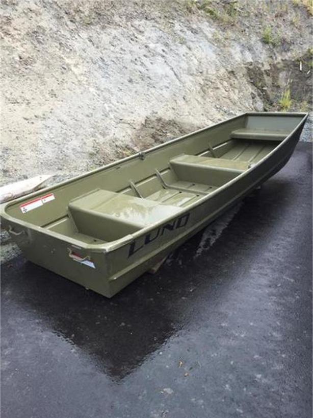 2010 Lund Jon Boat 12'