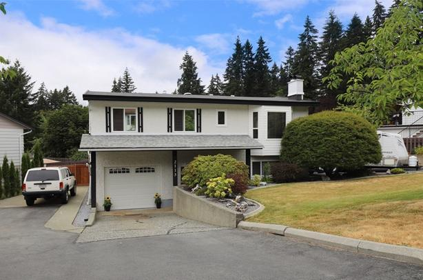 5 bed, 2 bath family home in Cameron Heights