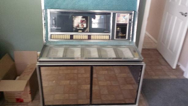 1967 Seeburg LS1 Jukebox