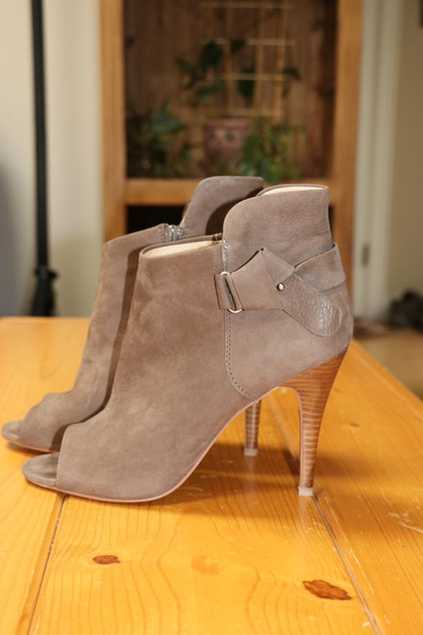 Size 10, Aldo Real Leather Shooties