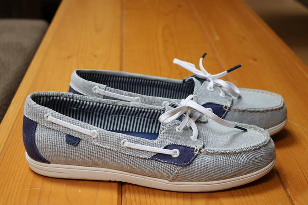 WORN ONCE - Size 10 Perry Top-Siders