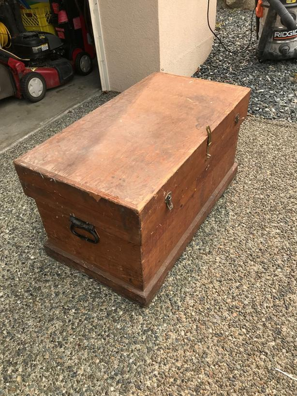 FREE: Wooden Storage Chest