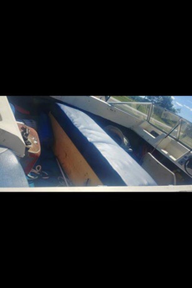 Used campion boat $1000 obo