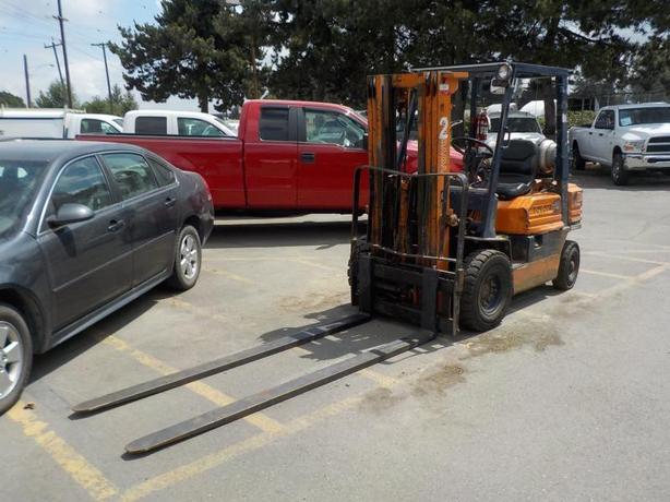 2000 Toyota 42-5FG20 Propane Powered Forklift