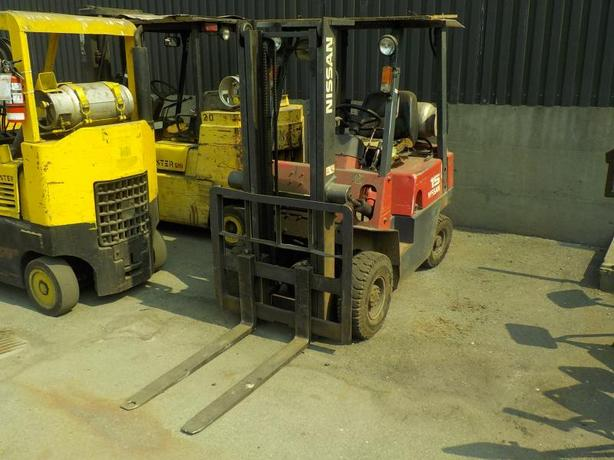 2000 Nissan NJ01A15 Propane Powered Forklift