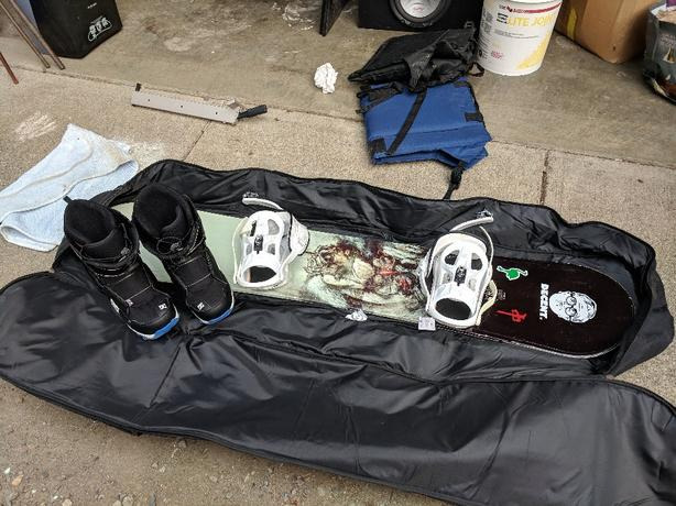 155 5150 board and sims bag and DC quick lace boots