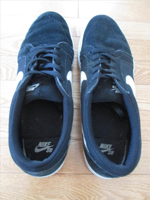 Men's Size 13 Suede and Canvas Black and White Nike Runners