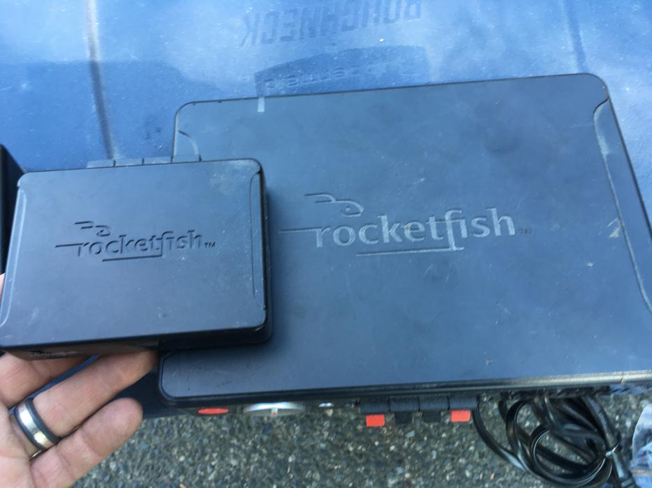Rocketfish 2.4Ghz Wireless Sender and Receiver Rear Speaker Kit ...