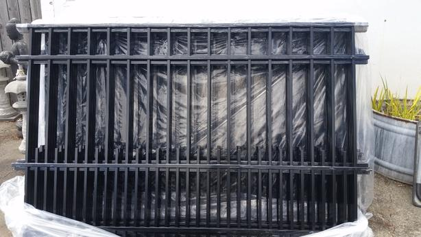 SALE Aluminum Fence Panels SALE Chemainus, Cowichan - MOBILE