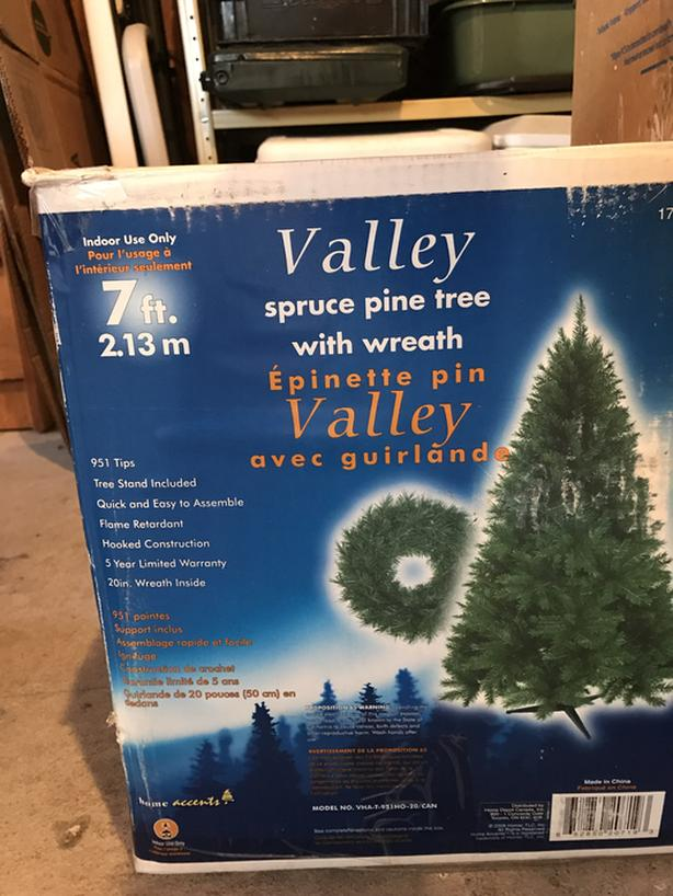 40ft Christmas Tree With A Box Of Decorations Saanich Victoria New Christmas Tree Decorations In A Box
