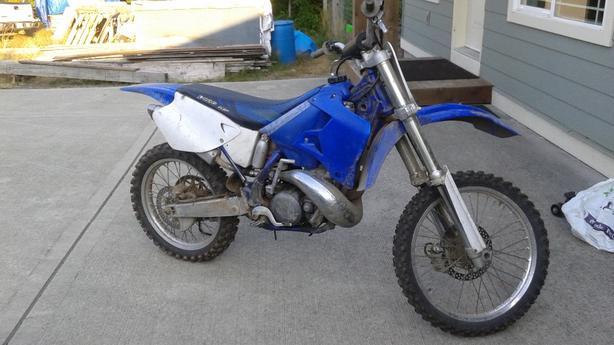 2000 YZ250