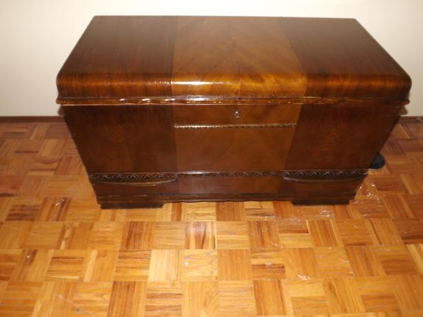ANTIQUE CEDAR CHEST