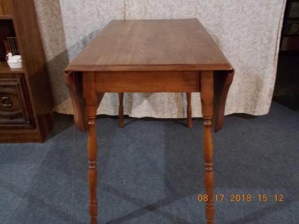 Leaf Table and 2 chairs