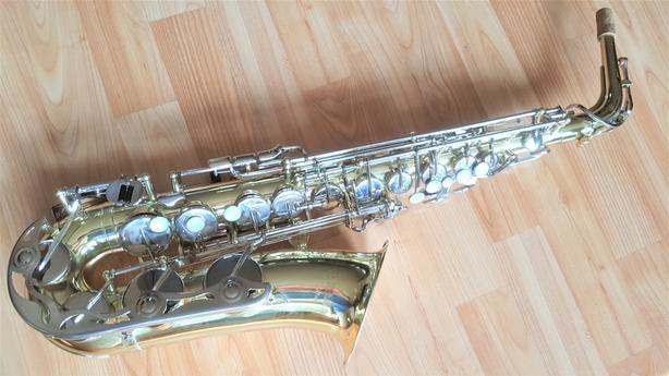 Alto, tenor, soprano saxophones
