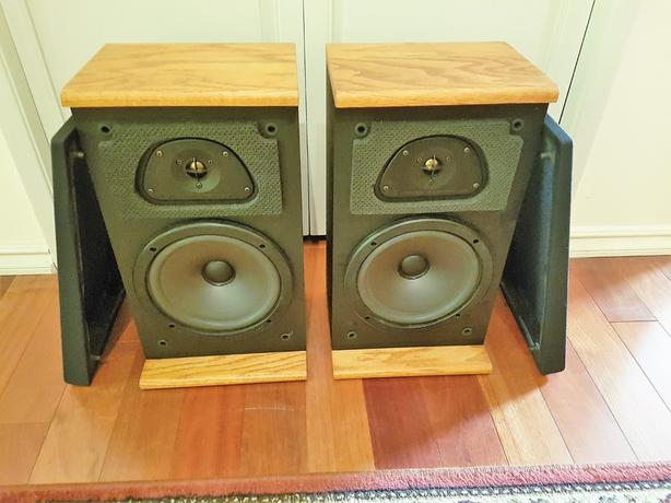 Acoustic Research TSW 210 Speakers