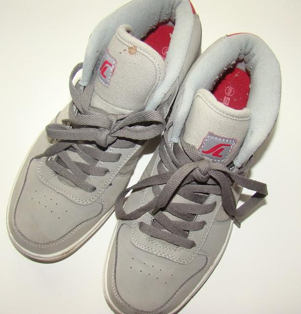 OBO - SkateLab Men/Boys Shoes in Gray Good Condition Size 9