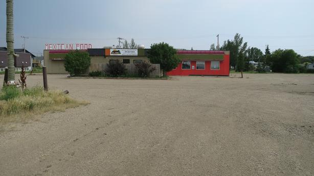 Restaurant and Bar with Patio off major SK Highway for lease!!