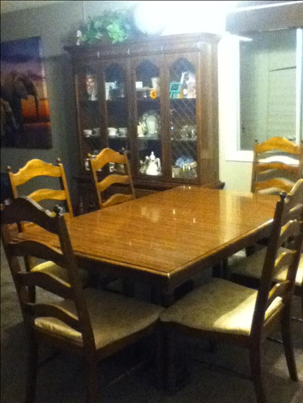 Sturdy Durable Full Dining Set