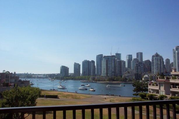 Waterfront! Spacious Contemporary 2 Bedroom 2 Bath Apartment - False Creek #058