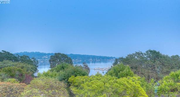 Full Ocean View home in prestigious Uplands - Victoria, BC