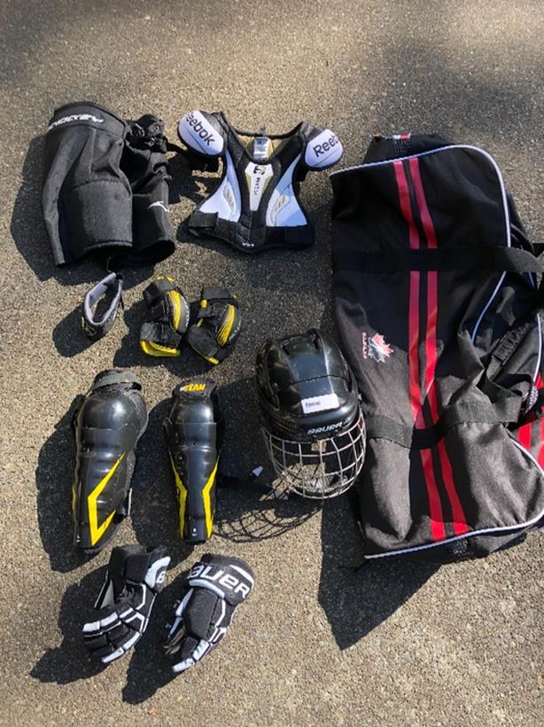 b4350c38641 Child Hockey Gear with bag Saanich