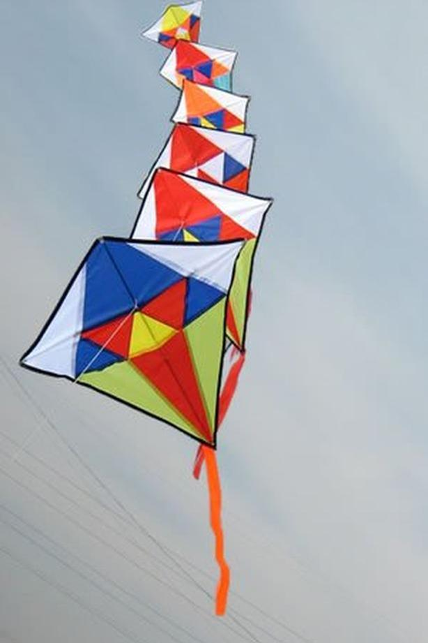 5 bunch diamond kite