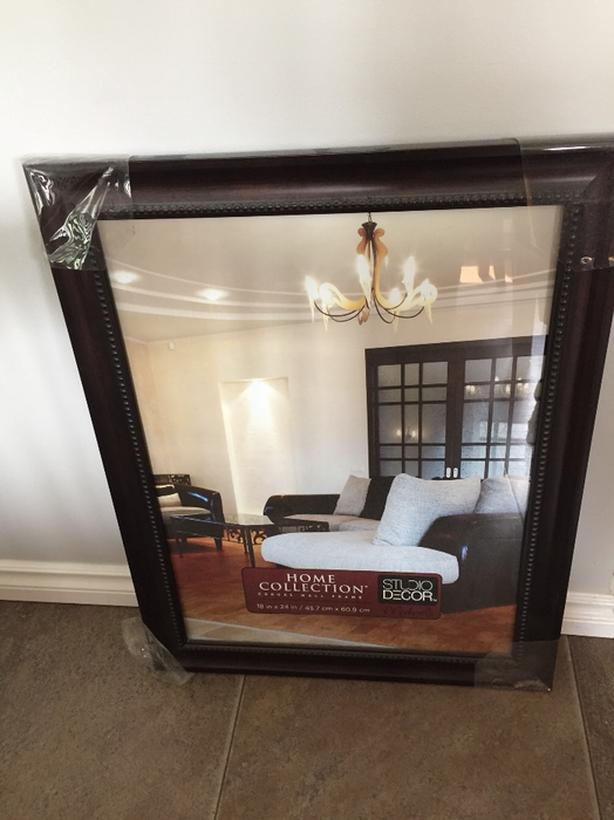 BRAND NEW WOODEN PICTURE FRAME