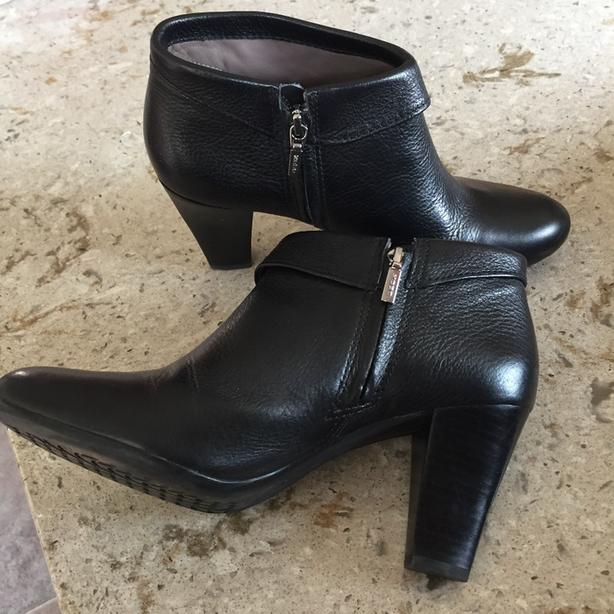 Ladies Black Leather Geox Respira Ankle Boots