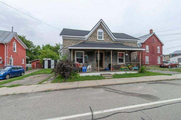 Great Investment Opportunity In Cardinal Ontario Side X