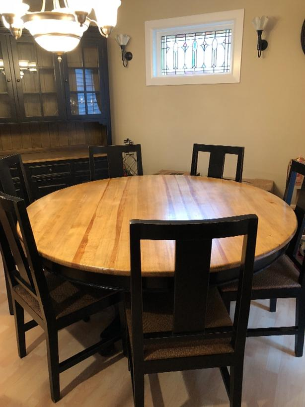 Dining Room Table Chairs And Hutch West Shore Langford Colwood
